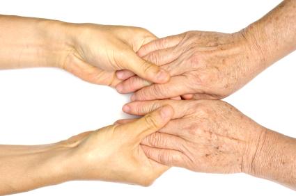 Der Staat will ab 2013 den Abschluss von Pflegezusatzversicherungen fördern